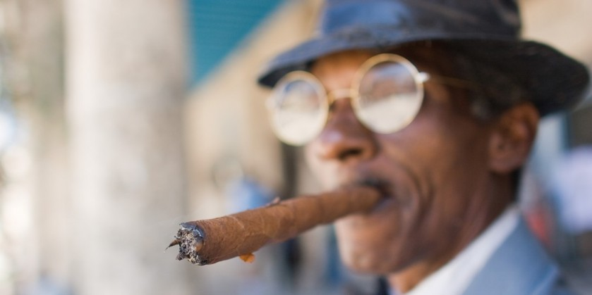 14-113230-obama_lifts_ban_on_cuban_cigars_and_rum